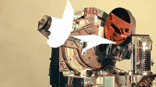 Creating the world's first two-way laser optical link at Astrium.